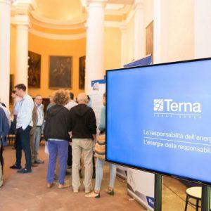 Terna, la sostenibilità sociale spinge al dialogo con i territori