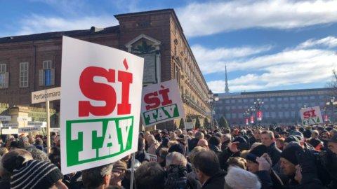 Torino, in 30mila per la TAV: in piazza anche la Lega