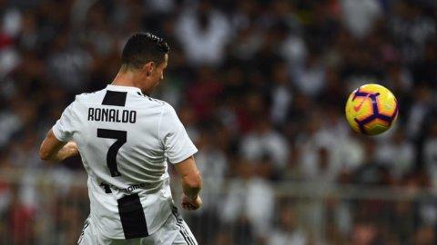 Cristiano Ronaldo regala la Supercoppa alla Juve
