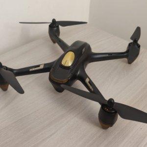 """Attenti al drone, come """"volare"""" rispettando la legge"""