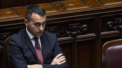 """Di Maio mina l'accordo con Pd: """"Conte bis e subito il taglio dei parlamentari"""""""