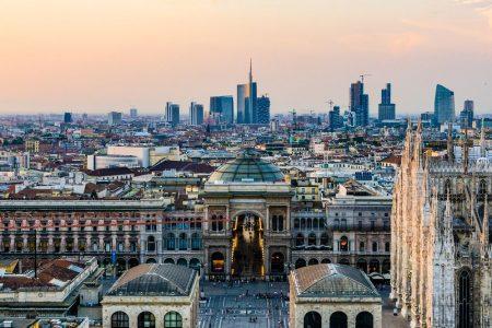 Borsa, sprint finale: Milano leader in Europa