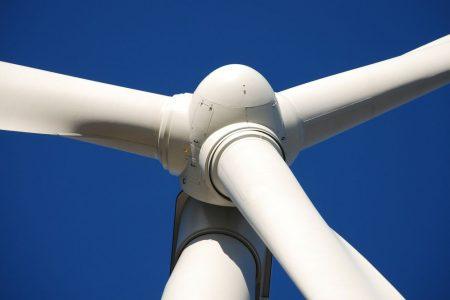Energia, a maggio il maltempo ha spinto l'eolico: +81%