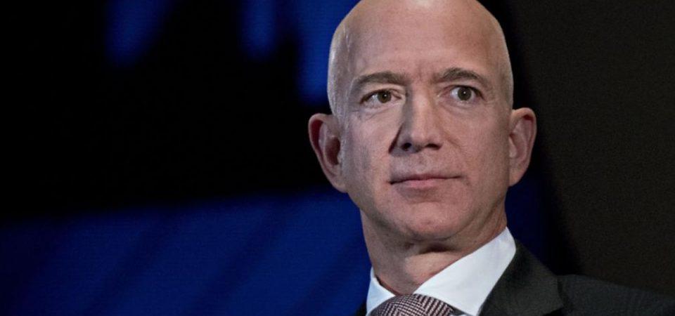 Amazon, Bezos denuncia sexy ricatto da tabloid vicino a Trump
