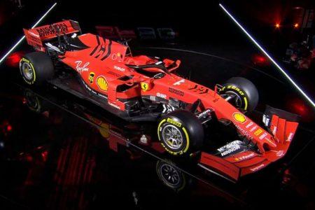 """Ferrari, presentata la SF90: """"Tornare subito a vincere"""""""