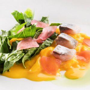 La ricetta di Moreno Cedroni: frittatina con sarde affumicate