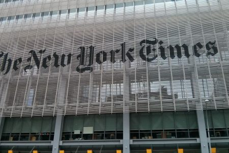 Primarie Usa, il New York Times punta su due donne