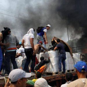 Venezuela ad alta tensione: scontro durissimo tra Usa e Russia