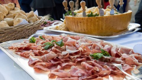 Parma, festa di primavera con cibo, fiori e cultura