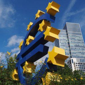 Corte tedesca salva gli acquisti Bce ma solo a metà