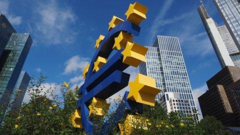 Bce dà sprint all'euro e il Nasdaq riprende la corsa