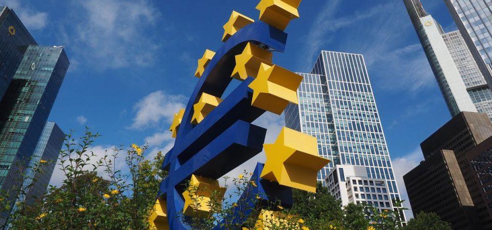 Bce: crescita debole ma consumi privati in ripresa