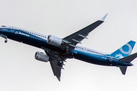 Covid, per American Airlines e Boeing migliaia di licenziamenti