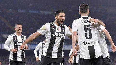 La Juve espugna Napoli e ipoteca l'ottavo scudetto di fila