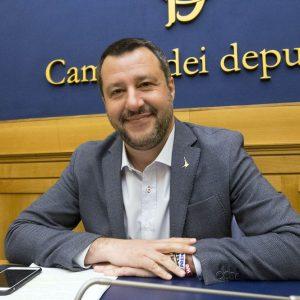 """Salvini, lettera immaginaria a Draghi: """"Mario, salvaci dal debito"""""""