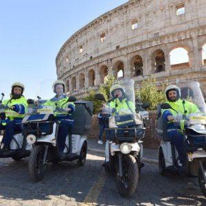 Poste Italiane: 330 motocicli elettrici per i portalettere