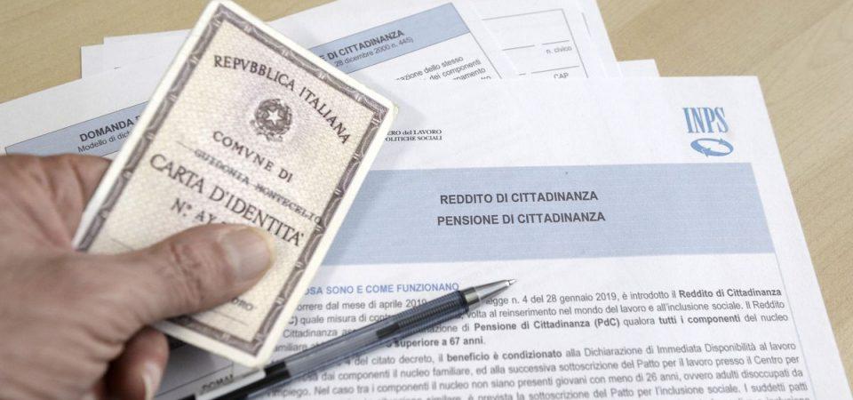 Reddito di cittadinanza, stop alle domande online