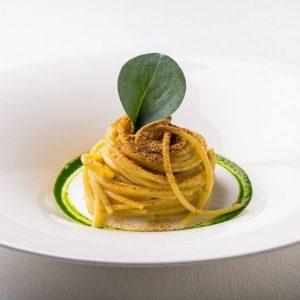 La ricetta di Roy Caceres: spaghetti, polvere e profumo di mare