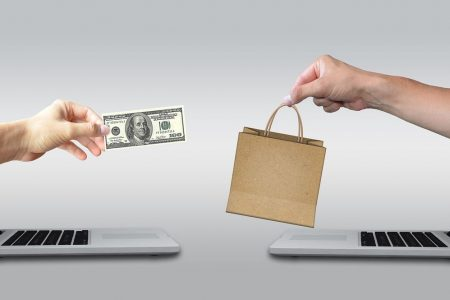 E-commerce e negozi: in 5 anni un vero boom, corre il Sud
