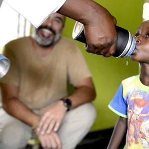 Acqua in Africa sfruttando l'energia solare: la sfida di GratzUp