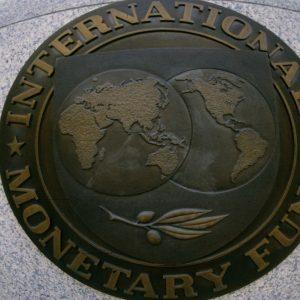 Fmi taglia le stime sul Pil italiano e la Borsa corregge al ribasso