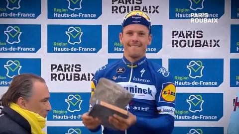 Ciclismo, Parigi-Roubaix: Gilbert trionfa sul pavé