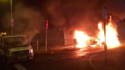 Irlanda del Nord: torna il terrorismo, pericolo Brexit