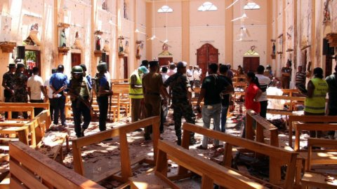 Strage in Sri Lanka: bombe in chiese, centinaia i morti