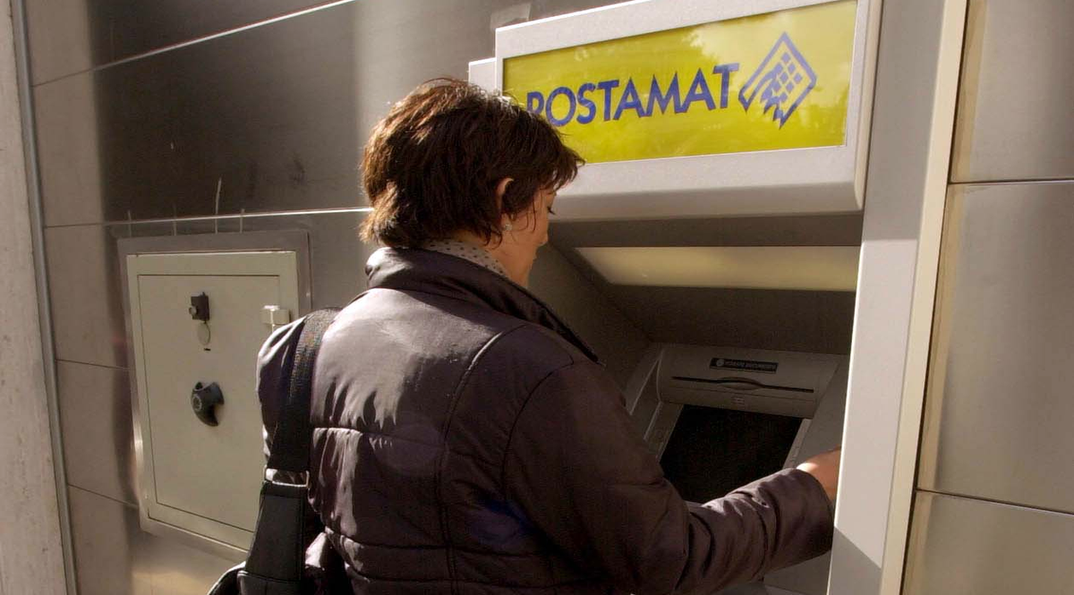 bancomat Postamat