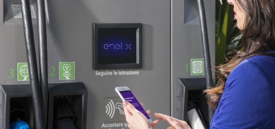 """Auto, Amsterdam sarà elettrica e Enel lancia il """"vehicle-to-grid"""""""