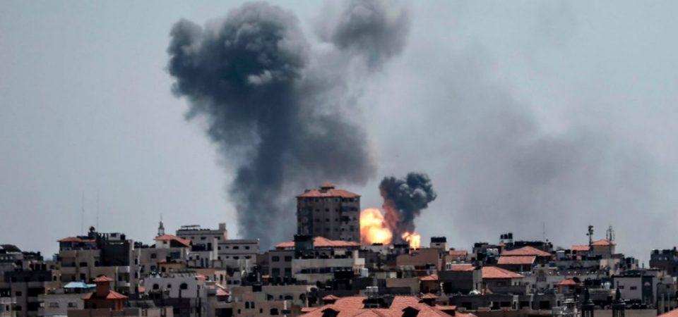 Israele sotto attacco: centinaia di missili da Gaza, morti e feriti