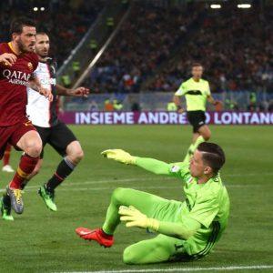 Champions, volata a 4: la Roma batte la Juve, ora tocca all'Inter