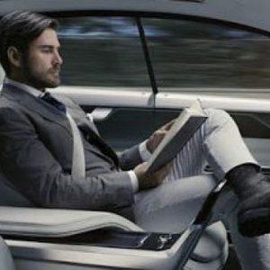 Uber, addio all'auto senza conducente: business in perdita
