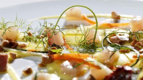 La ricetta di Corrado Parisi: Ricciola affumicata e cremoso di patate allo zafferano