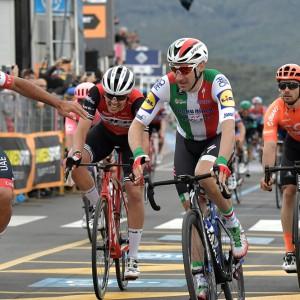 Giro d'Italia: Viviani declassato, vince Gaviria