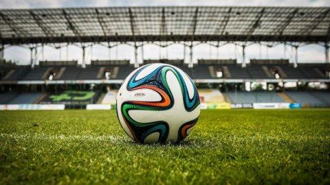 Le Borse premiano i ribelli del calcio: la Juventus vola