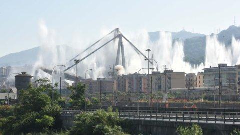Ponte Morandi addio: il video della demolizione
