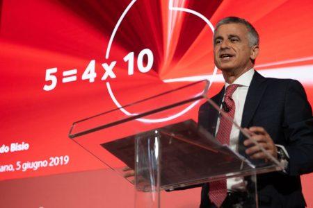 Vodafone lancia il 5G in cinque città. Al via i servizi superveloci