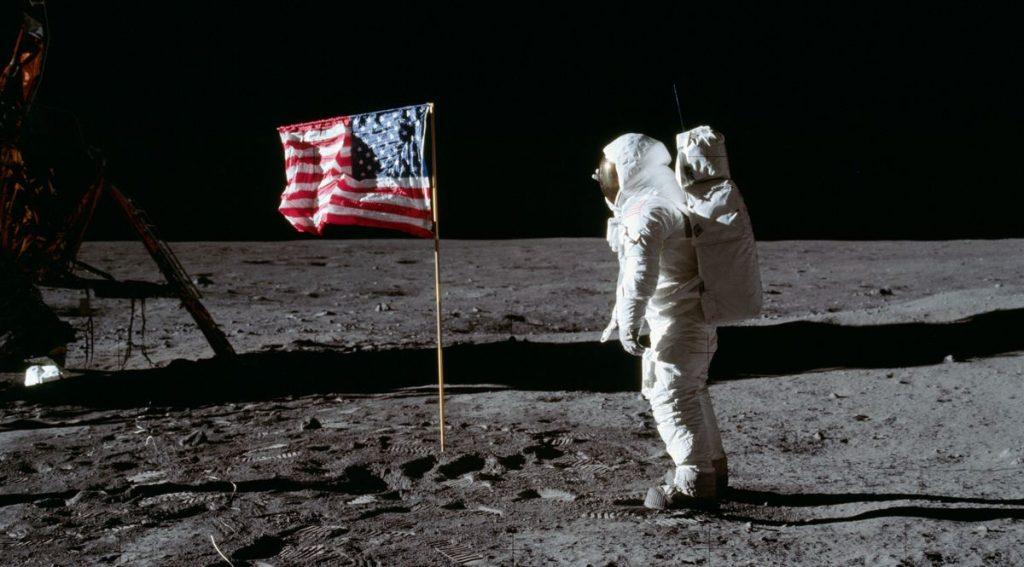 L'astronauta Edwin Aldrin cammina sulla Luna