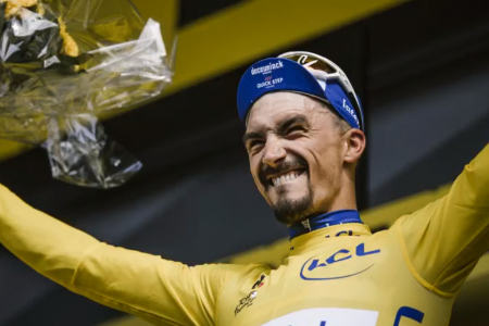 Tour: Alaphilippe in giallo, Nibali flop