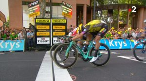 fotofinish di due ciclisti al Tour de France