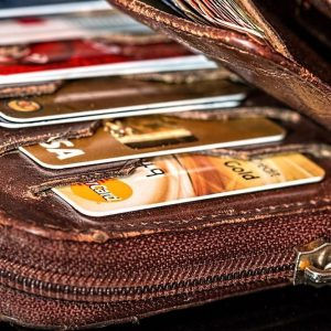 Manovra: spinta a carte, Bancomat e detrazione delle fatture