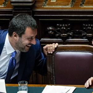 Salvini contro Tria: per la manovra punta su deficit e condoni