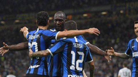 L'Inter di Conte stende il Lecce e lancia subito un segnale