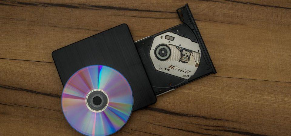 ACCADDE OGGI – 37 anni fa fu venduto il primo CD: un album degli ABBA