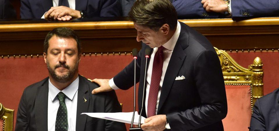 """Conte processa Salvini e annuncia le dimissioni: """"Il Governo è finito"""""""