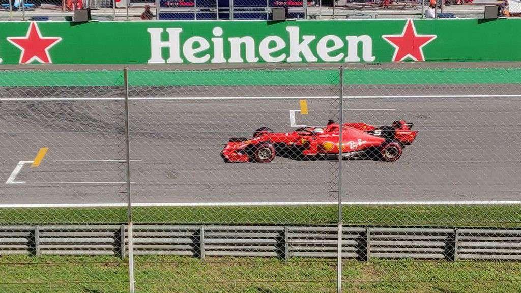 Leclerc al traguardo del Gran Premio di Monza