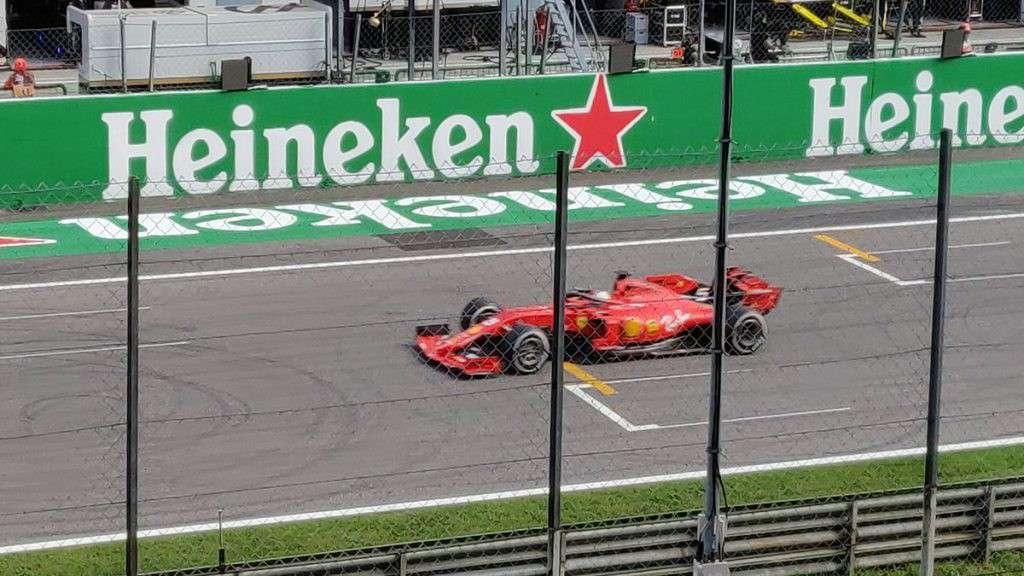 La Ferrari di Leclerc al traguardo