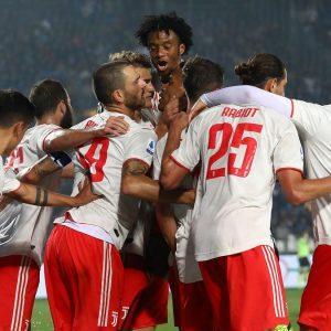 La Juve espugna Brescia ma l'Inter rivuole il primato contro la Lazio