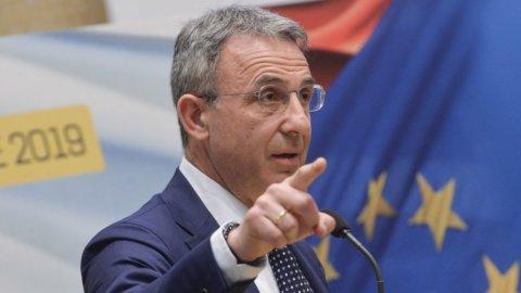 Energia: il ministro Costa sconfessa Fioramonti e resta favorevole al gas